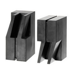 quotation-marks-bookends-design-image